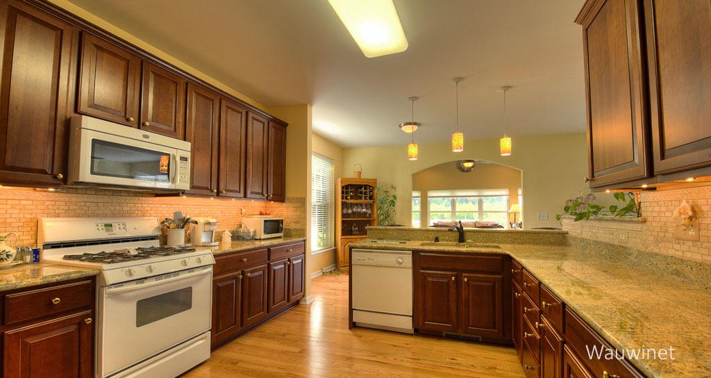 bRESIZED Kitchen.jpg