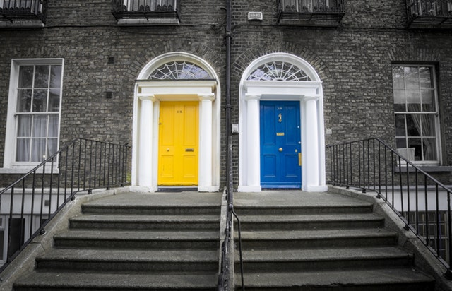 dublin-famous-colorful-doors-422844.jpeg