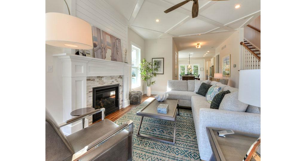 10 Living room 2.jpg