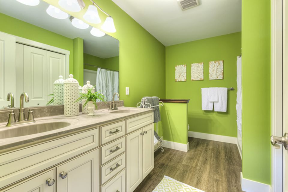 Bathroom Photot Allen Edwin Homes (21).jpg