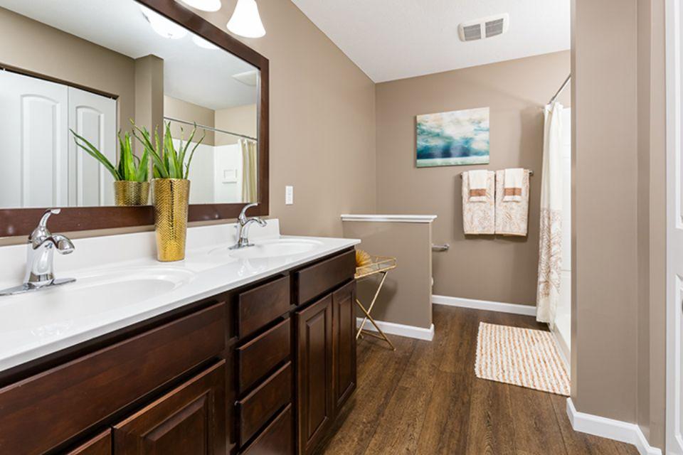 Bathroom Photot Allen Edwin Homes (22).jpg