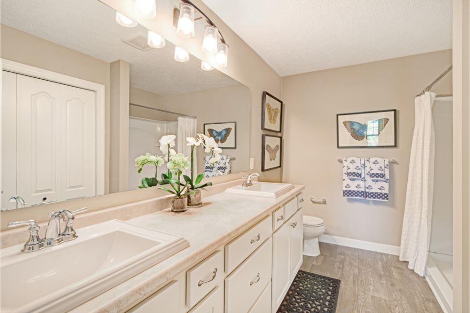 Bathroom Photot Allen Edwin Homes (25).jpg
