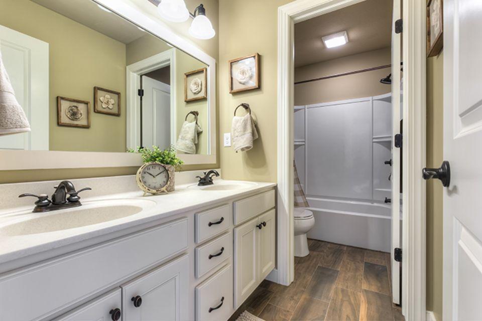 Bathroom Photot Allen Edwin Homes (8).jpg