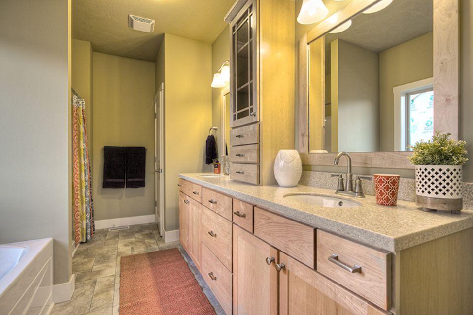 Bathroom Photot Allen Edwin Homes (13).jpg