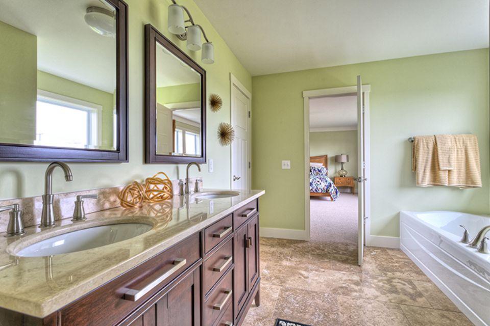 Bathroom Photot Allen Edwin Homes (14).jpg