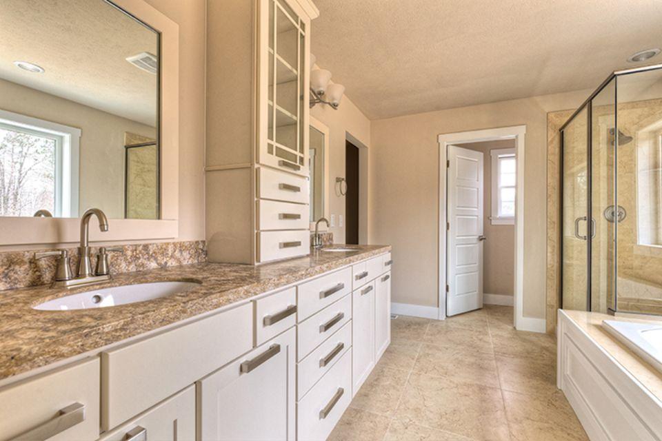 Bathroom Photot Allen Edwin Homes (18).jpg