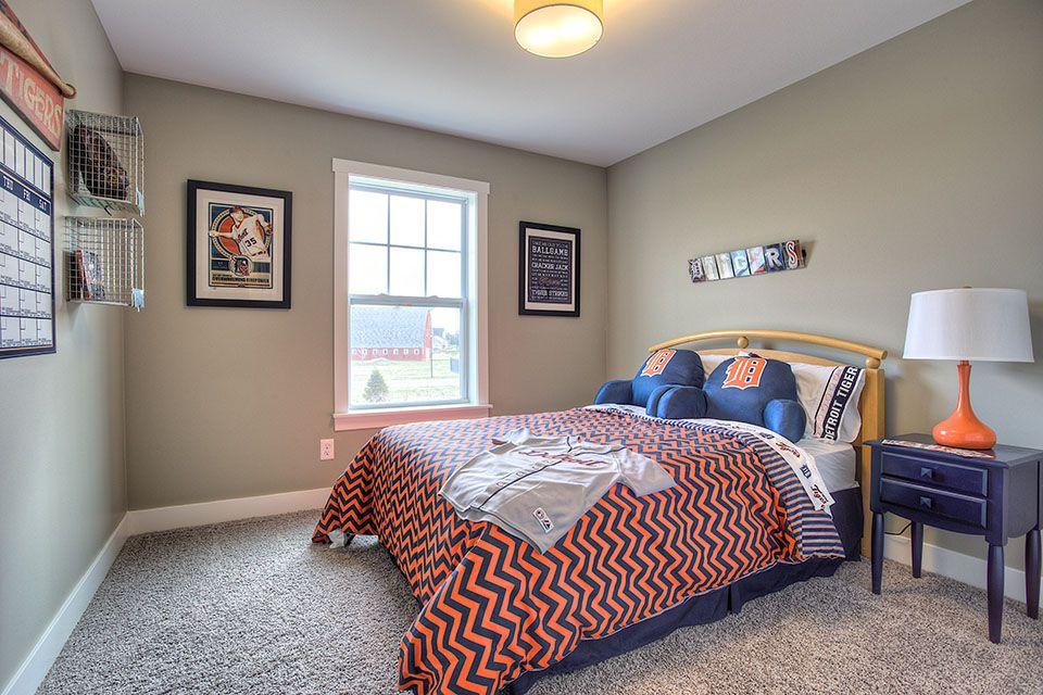 Bedroom Photo Allen Edwin Homes (26).jpg