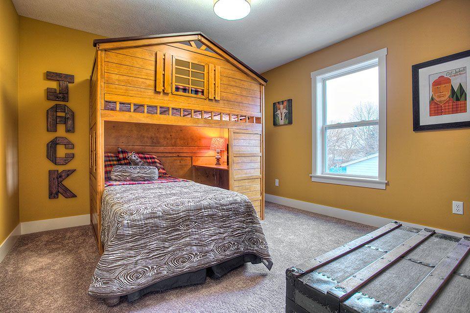 Bedroom Photo Allen Edwin Homes (31).jpg