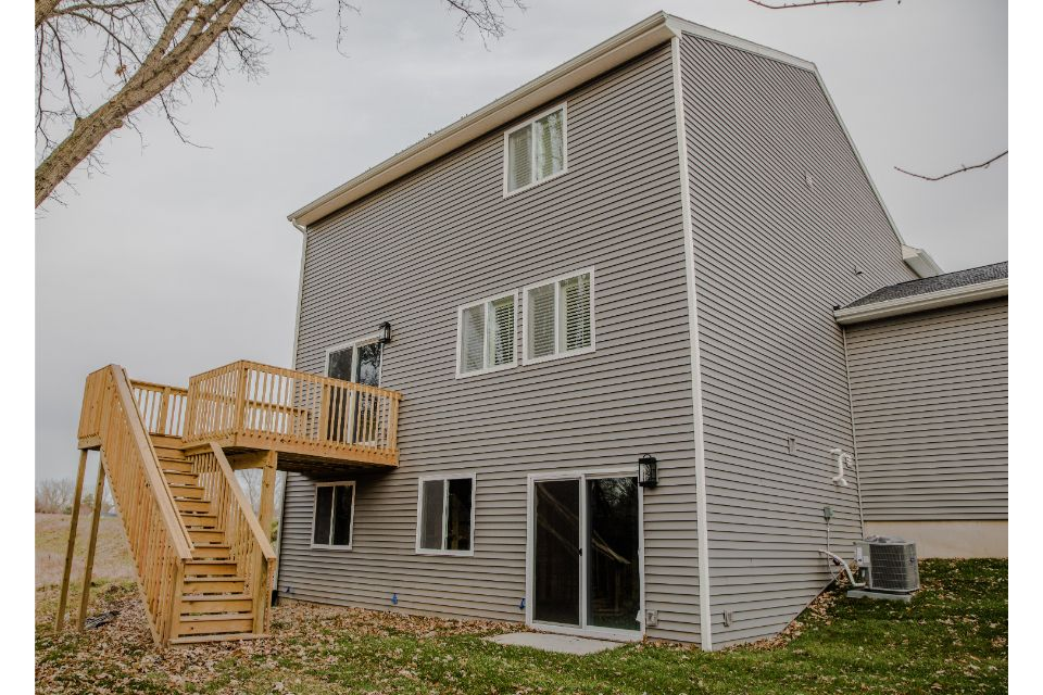 Creekside Shores Integrity 2280 Model Home (7).jpg